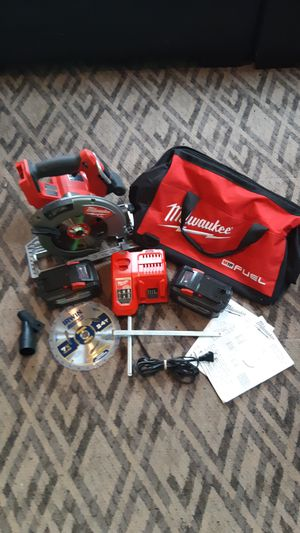"""MILWAUKEE M18 FUEL 71/4"""" FRAMING SAW KIT for Sale in Nashua, NH"""