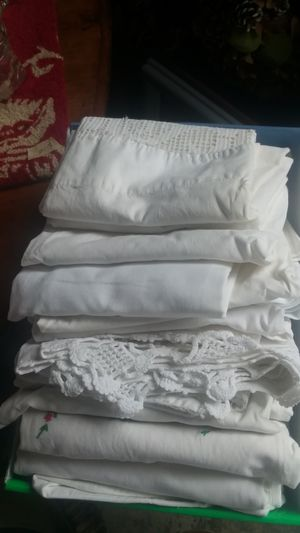 12 linen pillow cases for Sale in Edgewood, WA