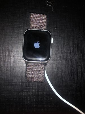 APPLE WATCH SERIES 5 44mm with apple care GPS ONLY for Sale in Phoenix, AZ