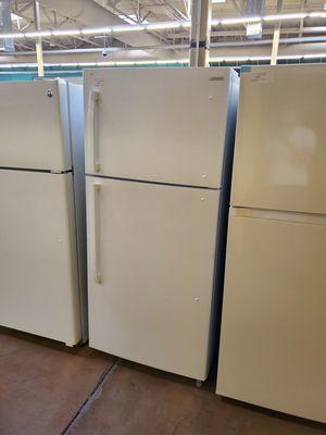Insigni top Freezer Refrigerator for Sale in Covina, CA