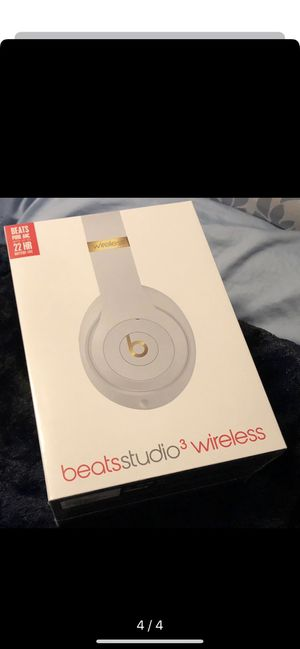 White Beats Studio 3 Headphones Brand New Sealed Wireless for Sale in Fresno, CA