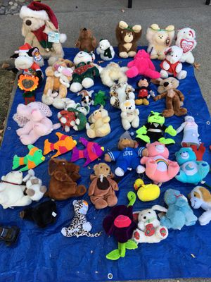 Lots of stuffed animals and toys for Sale in Antioch, CA