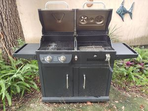 Dyna Glo gas and charcoal grill for Sale in RDG MNR EST, FL