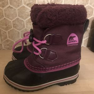 Girls Sorel Snow Boots 11 for Sale in Seattle, WA