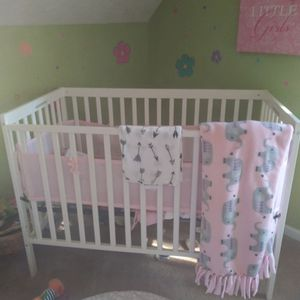 Baby Crib for Sale in Fayetteville, GA