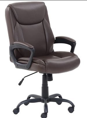 AmazonBasics Classic Puresoft PU-Padded Mid-Back Office Computer Desk Chair With Armrest - Brown for Sale in Schiller Park, IL