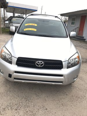 2006 Toyota RAV4 automatic transmission everything works great looks great runs great cold AC family's no mechanical problems cash only $ 5000 call for Sale in Houston, TX
