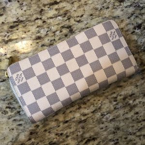 Wallet clutch for Sale in Tampa, FL