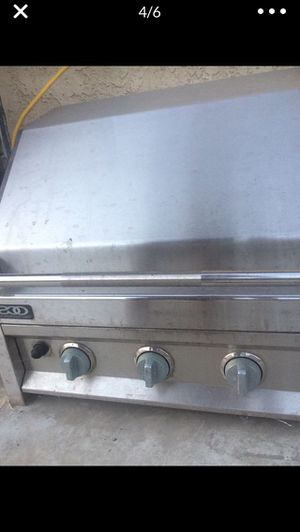 Regular gas steinless steal tabletop grill for Sale in Lancaster, CA