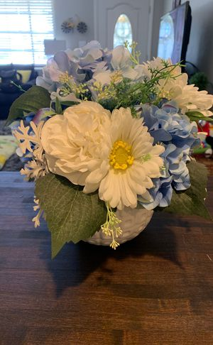 Silk baby blue and white flowers in white vase for Sale in Phoenix, AZ
