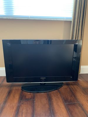 Samsung TV 32 in HDTV Model #LN T32242H for Sale in Fort Lauderdale, FL