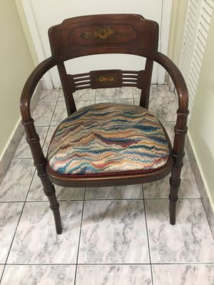 vintage chair for Sale in Hollywood, FL