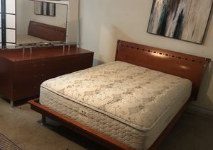 ⭐️⭐️⭐️ Queen size Bedroom Set 🛌⭐️⭐️⭐️🚚 for Sale in San Jose, CA