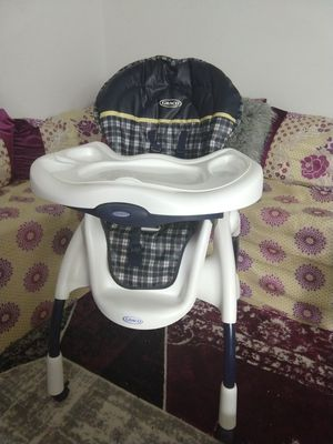 Graco high chair for boys and girls for Sale in Columbus, OH