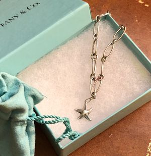 """Authentic! Tiffany & Co. 925 silver Elsa Peretti 7"""" oval link starfish bracelet perfect condition! Bracelet was over $500 new. for Sale in Tolleson, AZ"""