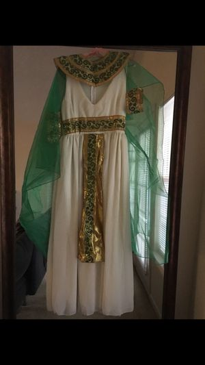 Cleopatra Halloween costume (size M) for Sale in Duluth, GA