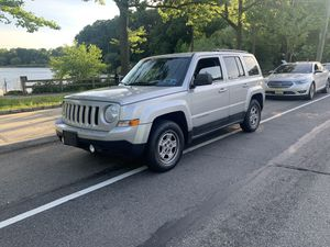 2011 Jeep Patriot latitude all wheel drive clean for Sale in Jersey City, NJ