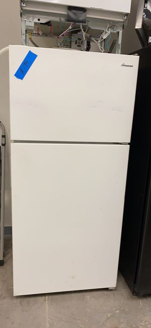 Amana top&bottom refrigerator for Sale in Bowie, MD