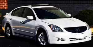 Price $1000 2010 Nissan Altima for Sale in ARSENAL, PA