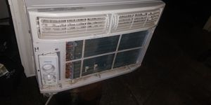 Frigidaire window AC 110 12000 BTU for Sale in Gresham, OR