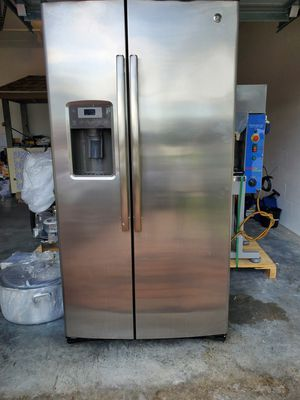 G E - refrigerator for Sale in Winter Garden, FL