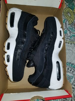 Brand new size 6 air max 95 OG half box serious buyers only please and thanks for Sale in Everett, WA