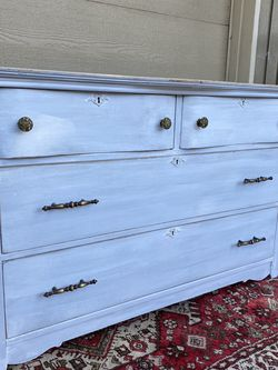 4 Drawer Wood Dresser for Sale in Vancouver,  WA