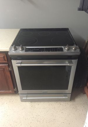 Maytag electric stove for Sale in Lakesite, TN
