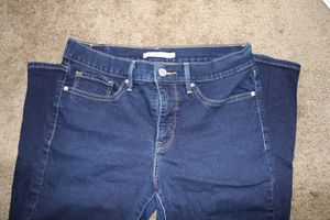 Levi's shaping skinny, size 30/30 for Sale in Downey, CA