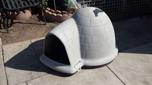 DOG HOUSE SMALL for Sale in Los Angeles, CA