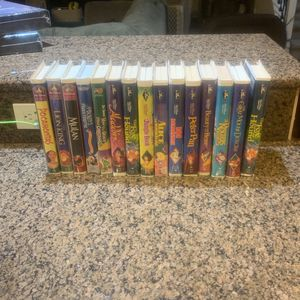 Lot Of 10 Disney Black Diamonds Classics Plus How The Grinch Stole Christmas ,Mulan, Pocahontas , And The Lion King Vhs for Sale in Vancouver, WA