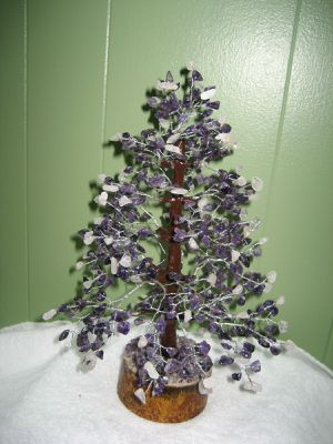 AGATE STONE TREE, EMYTHIS & WHITE STONE TREE. for Sale in Jersey City, NJ