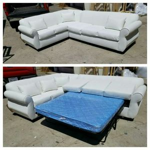 NEW 7X9FT WHITE LEATHER SECTIONAL WITH SLEEPER COUCHES for Sale in Covina, CA