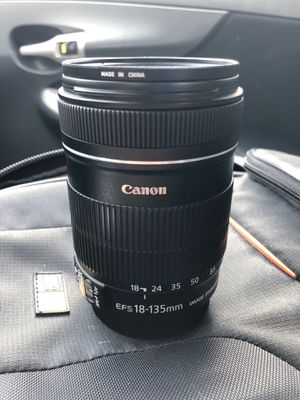CANON EF-S 18-135mm f/3.5-5.6 IS Lens for Sale in Austin, TX