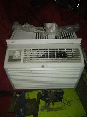 $100-LG 5000btu Window Air Conditioner for Sale in Midvale, UT