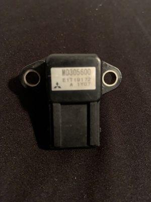 MITSUBISHI OEM MANIFOLD PRESSURE MAP SENSOR MD305600 plus free wire for Sale in Ellicott City, MD