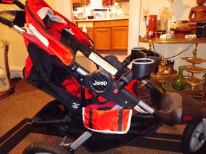Jeep 3 wheeled all terrain stroller for Sale in Columbus, OH