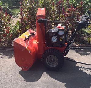 Ariens Deluxe EFI 30 in Two stage self propelled Gas Snow Blower for Sale in Anchorage, AK