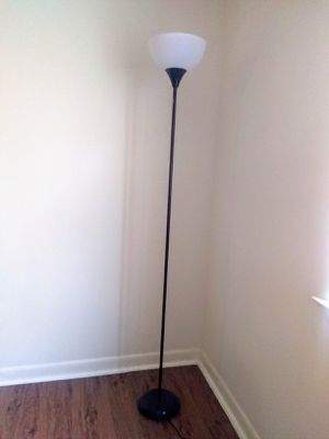 Floor lamp for Sale in Niceville, FL