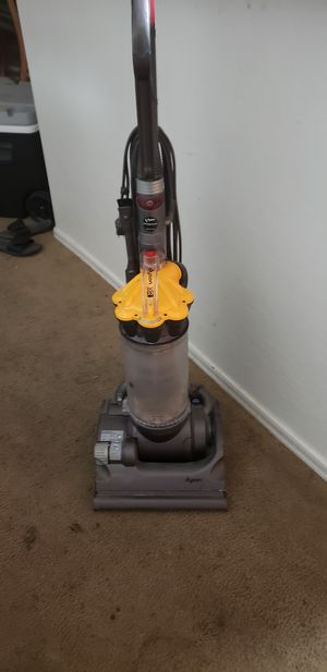 Dyson dc33 upright for Sale in Phoenix, AZ