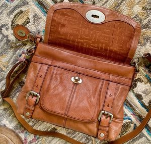 Fossil Maddox Top Handle Brown Leather Messenger Crossbody Satchel Bag for Sale in Ontario, CA