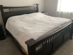 King Bedroom Set! Headboard, footboard w/railing, 2 night stands, dresser with mirror for Sale in Gilbert, AZ