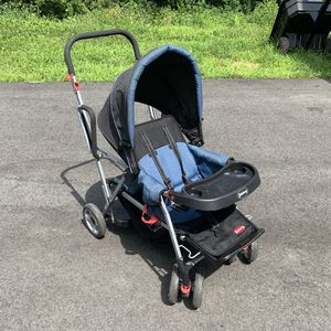 Joovy Caboose Stand-On Double with Car Seat Adapter for Sale in Northborough, MA