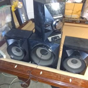Sony Mhc-ec909ip Ipod Hi-fi Am/fm Cd Shelf Stereo System Subwoofer for Sale in Eastvale, CA