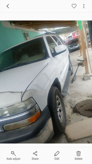 2001 tahoe parting out lmk what u need for Sale in Denver, CO