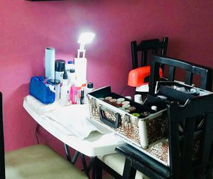 Manicura y pedicura a domicilio for Sale in Plantation, FL