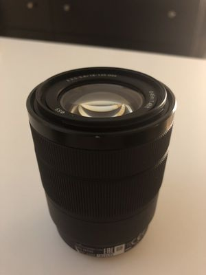 Sony 18-135mm - LIKE NEW for Sale in Tempe, AZ