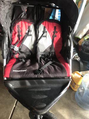 Carrito para 2 niños muy limpio y buenas condiciones $30 for Sale in Moreno Valley, CA