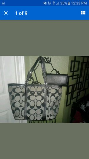 Coach handbag with Gucci wallet for Sale in Kyle, TX