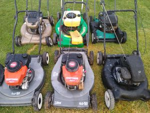 6 gas lawn mowers for fix or repair all motors are good as is for Sale in Phoenix, AZ